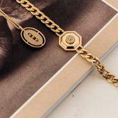 Cet saison sera Maille et Médaillon @zagbijoux #new  #collier #bracelet #bouclesdoreilles #baguesajustable #draguignan